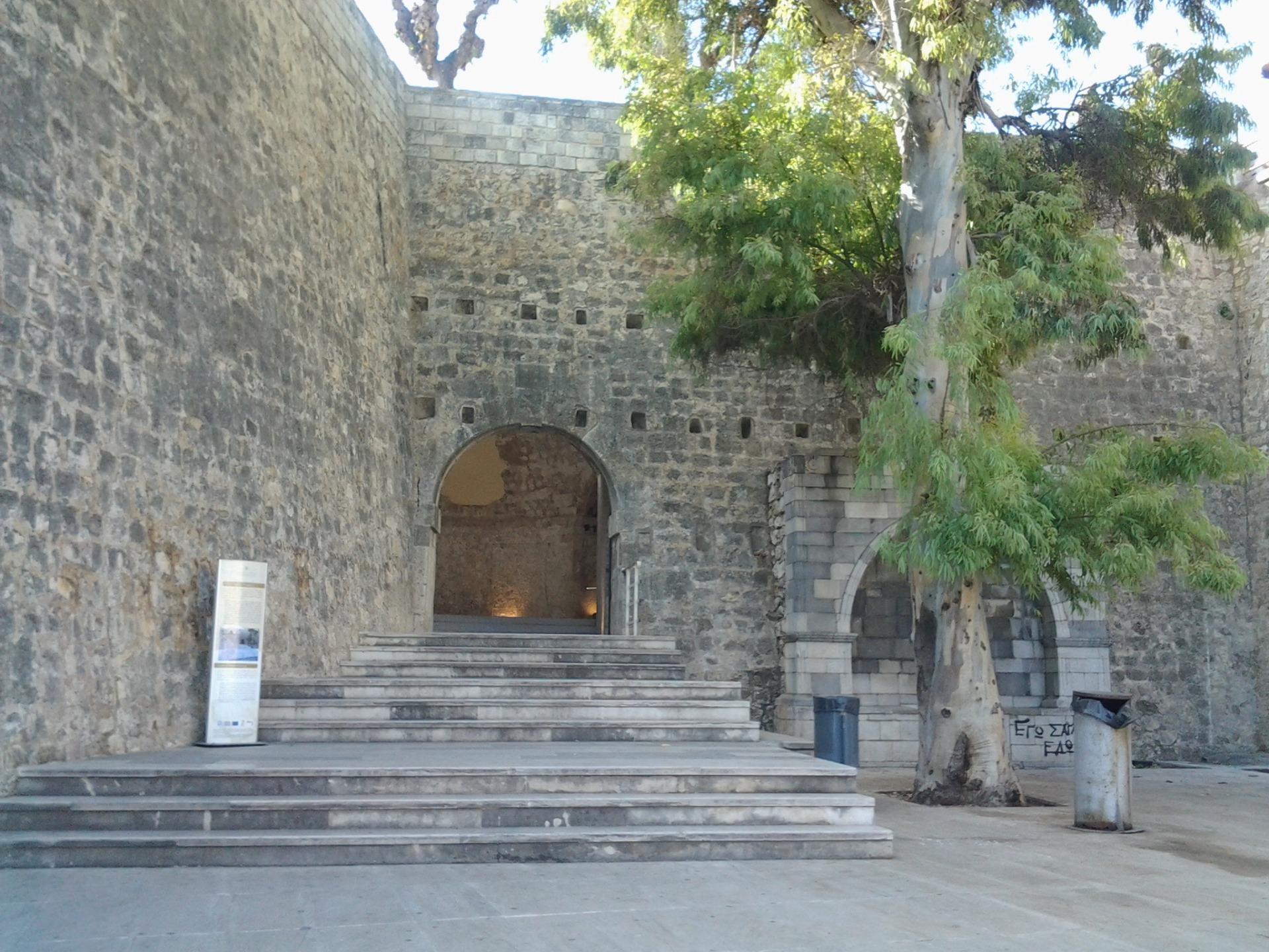 Ираклион венецианская крепость ворота Святого Георгия